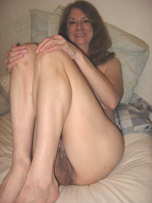 Female gymnasts accidental nudity