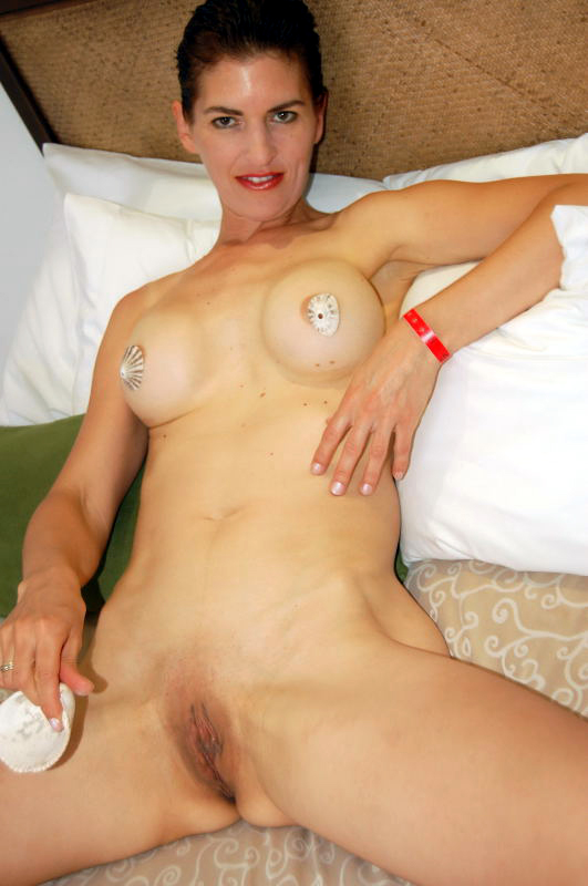 Willow Naked 77